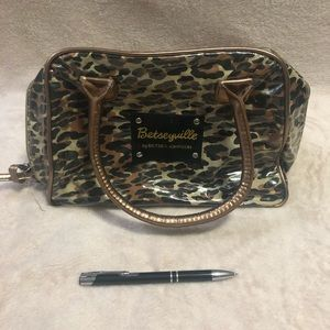 Betseyville by Betsey Johnson makeup bag leopard